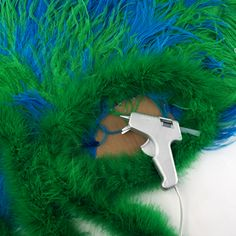 Pretty Peacock Costume - The Feather Place Peacock Halloween Costume, Bird Costume, Homemade Halloween Costumes, Diy Costumes, Costume Ideas, Halloween Queen, Up Halloween, Halloween Crafts, Halloween Decorations