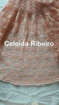 Vestido longo de crochet Celeida Ribeiro, para madrinha de casamento ou noiva. Usei 7 novelos de 450 metros cada e agulha 1,75 mm. Use o f...