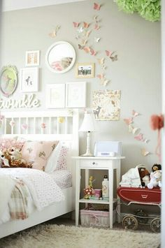 I love the look of this! Girly, but not overkill.