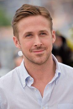 "ryan gosling | Ryan Gosling pode estrelar ""Blade Runner 2″ | CineTop ライアン・グスマン, Ryan Gosling ヘアカット, Sean O'pry, エディ・レッドメイン, ルーク・ベンワード, 男性の有名人, 男性の髪, 2016年の映画, 花婿"