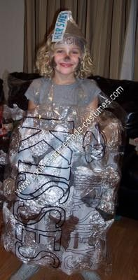 Homemade Candy Group Halloween Costume: My girls wanted to be candy this year for Halloween. So, instead of being one big piece of Hershey's Kiss, we thought we would make bags of candy with