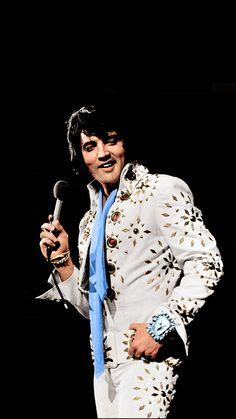 Elvis 1972 Elvis Presley Biography, Johnny B Goode, Elvis Presley Concerts, Elvis Presley Pictures, John Lennon Beatles, Family Photo Album, Buddy Holly, Chuck Berry, Pop Singers