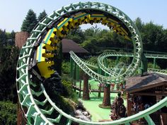 #Gardaland is the eighth-most-popular theme park in Europe and is between Peschiera and Lazise, at Lake Garda in #Italy. Plan a holiday by hiring a car with Noleggioautoabuonmercato.it
