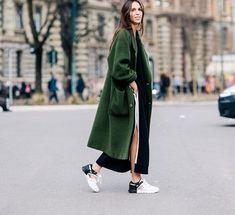 Preciosas ideas de look con color verde - un color relevante esta temporada que trae armonía y paz. Lo mejor de Street Style
