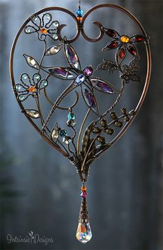 DRAGONFLY HEART SUNCATCHER .... Gemstone Sun Catcher Heart