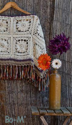 Super crochet poncho for beginners prayer shawl Ideas Crochet Woman, Love Crochet, Beautiful Crochet, Knit Crochet, Poncho Au Crochet, Crochet Shawls And Wraps, Crochet Scarves, Crochet Crafts, Crochet Projects