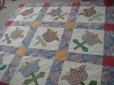 My big blooms quilt: Amish waves quilted