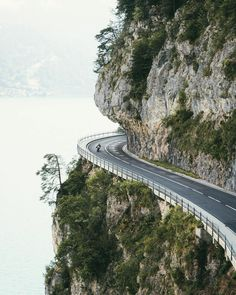 """Inspiring photo by taken in Switzerland 👍🏽👍🏽 """"Driving this road was super fun in our clunky van, so I can only imagine… Kelsey Johnson, Lake Thun, Dangerous Roads, Beautiful Sites, Nature Pictures, Adventure Travel, Nature Photography, Scenery, Landscape"""