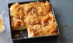 Τυρόπιτα αφράτη με μπεσαμέλ | Συνταγές - Sintayes.gr Spanakopita, Lasagna, Sweet Home, Cookies, Ethnic Recipes, Food, Greek, Projects, Lasagne