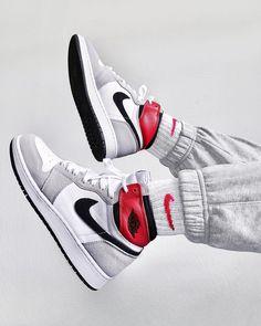 Sneakers Fashion, Sneakers Nike, Nike Shoes, Jordan Sneakers, Summer Sneakers, Black Sneakers, Casual Sneakers, Casual Shoes, Fashion Shoes