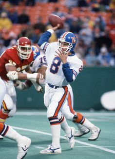 Head coach Gary Kubiak playing QB for the Denver Broncos.