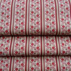 Fleurs en tissu de bordure étroite