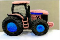 People who have favourited Remi Dear Tractor pattern by PrizLooks Crochet Car, Crochet Baby Boots, Learn To Crochet, Crochet For Kids, Crochet Toys, Free Crochet, Amigurumi Patterns, Knitting Patterns Free, Crochet Patterns