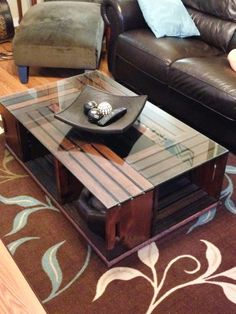 Crate coffee table creative ideas 58 – We Otomotive Info - Pallet Furniture Ideas Unique Coffee Table, Coffee Table Styling, Cool Coffee Tables, Coffee Table Design, Glass Top Coffee Table, Wooden Coffee Tables, Homemade Coffee Tables, Pallet Furniture, Home Furniture