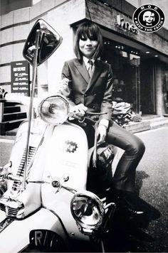 Celebrating the Mod culture Vespa Bike, Lambretta Scooter, Vespa Scooters, Mod Scooter, Scooter Girl, Punk Rock Girls, Skinhead Girl, Mod Girl, Pocket Bike