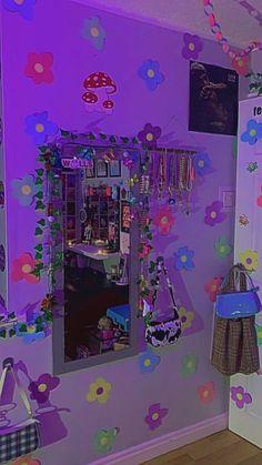 Indie Bedroom, Indie Room Decor, Cute Bedroom Decor, Room Design Bedroom, Aesthetic Room Decor, Room Ideas Bedroom, Retro Aesthetic, Bedroom Inspo, Chambre Indie