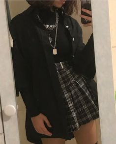 Adrette Outfits, Swaggy Outfits, Teen Fashion Outfits, Retro Outfits, Grunge Outfits, Cute Casual Outfits, Style Outfits, Black Outfits, Skirt Outfits