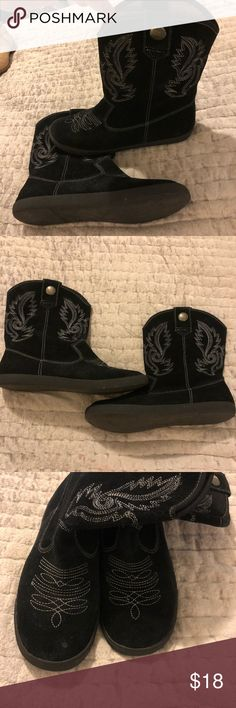 Blowfish Western Cowboy Boots Leather Black 9 Woman's  Blowfish  Leather  Western style  boots  Size 9  In good used condition  Great way to get a pair of boots affordably.  No weird odors  Smoke free pet free home Blowfish Shoes Ankle Boots & Booties