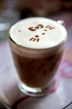If my coffee was as cute as this every morning, I would want to get out of bed!