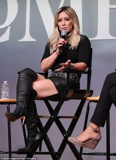 Hilary Duff sexy legs in over the knee stiletto boots Botas Sexy, Thigh High Boots, Over The Knee Boots, Hilary Duff Style, Celebrity Boots, Celebrity News, Black Leather Mini Skirt, Leather Skirt, Girls In Mini Skirts