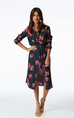 A lovely flattering dress for all occasions, fitted shirt style with belt at waist and roll and button up sleeves. We can't get enough of shirt dresses and the calf-length version is our fave.