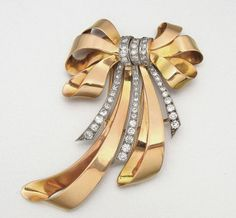 18K PINK GOLD AND DIAMOND BROOCH, FRENCH, CIRCA 1945 55 diamonds approx 1.70 cts, gr wt 14 dwts.