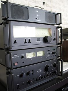 Vintage Sansui - rack mounts WITH handles indicated, according to manufacturers, 'quality', that they were aimed to be used in the (semi) professional market. Some lived up to that.