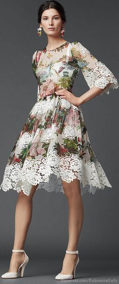 Dolce and Gabbana ----- Dolce and Gabbana, you never cease to amaze me with the stunningly beautiful clothes you design. Floral Fashion, Love Fashion, High Fashion, Womens Fashion, Fashion Design, Fall Fashion, Fashion Trends, Modelos Fashion, Mode Chic