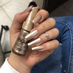 UV gel: the good tips for choosing it - My Nails Stylish Nails, Trendy Nails, Cute Nails, Hair And Nails, My Nails, Nail Paint Shades, Nails Decoradas, Pretty Nail Colors, Nail Designer