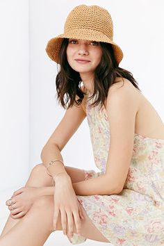 Contrast Stitch Straw Bucket Hat - Urban Outfitters