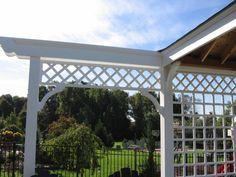pergola idea for the entrance to the yard