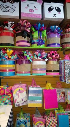 Estas son 10 regalos super románticos para tu pareja  #regalosNovia Creative Gift Wrapping, Creative Gifts, Party Stores, Party Shop, Diy And Crafts, Crafts For Kids, Paper Crafts, Diy Gift Box, Diy Gifts