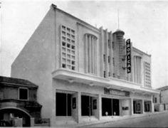 Inaugurado em 1951 - Cine Tropical na Rua Roma, bairro da Lapa.