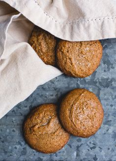 Incredible, 5 Ingredient Almond Butter Cookies {gluten-free, chewy inside, ripples of flavor} Gluten Free Cookies, Gluten Free Desserts, Dairy Free Recipes, Baking Recipes, Cookie Recipes, Delicious Desserts, Dessert Recipes, Vegan Recipes, Almond Butter Cookie Recipe