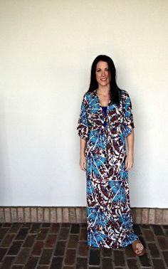 527e9f2b19e You can not go wrong with this beautiful Nikki Poulos dress. It is great to