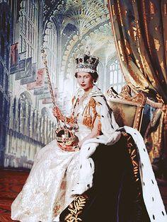 MEET HER MAJESTY   photo | Queen Elizabeth II