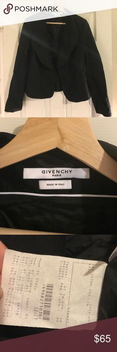 "Givenchy vintage blazer Gorgeous vintage Givenchy Sz 42 (US sz 10/12)  Cotton/linen blend. Lining is satin.   The collar is structured/""puffy.""  This is vintage but it looks brand new. No holes or imperfections. Givenchy Jackets & Coats Blazers"