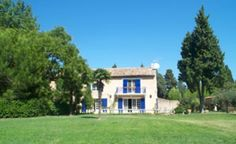 Barbentane | Farmhouse | Provence/Cote d'Azur | Bouche du Rhone | South of France and the Riviera | Beautiful farmhouse in middle of the countryside and close to Montagnette and Avignon. With garden and private swimming pool | Sleeps 8 | #holidayrentals #frenchmaison #farmhouse #barbentane #provence #bouchedurhone #southoffrance #riviera #pool #france #holiday