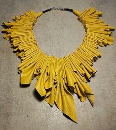 Imprevedibili Coniugazioni, accessori di moda unici, collane