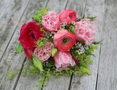 Vintage wedding flowers by Jenny Fleur |
