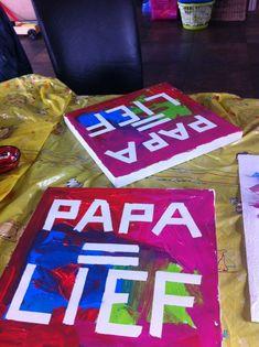 Leuke ideetjes voor de liefste, de sterkste, de knapste of de slimste papa's... Vaderdag komt er weer aan! Leuke t-shirtjes voor vaderdag vind je op www.sorprentas.com Homemade Gifts, Diy Gifts, Diy For Kids, Crafts For Kids, Fun Crafts, Diy And Crafts, Kids Class, Fathers Day Crafts, Mamas And Papas