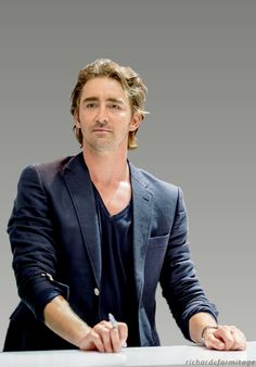 A gorgeous fan edit of #LeePace at Comic-Con 2014.