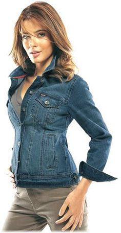 The benefit in the denim jacket for females is that is universal pieces of clothing, it is possible to wear it for almost any occasion and nevertheless look fabulous.