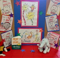 Grade: Art and Literacy We're celebrating Dr. Seuss and Read Across America this week. Second grade students drew The Cat i. Colorful Seahorse, O Pop, 2nd Grade Art, Cardboard Toys, The Lorax, Learn Art, Beautiful Textures, Love Painting, Art Club