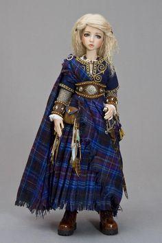 http://www.antiquelilac.com/aeran-celtic-maiden---msd---gallery-2012.html how wonderfull :)