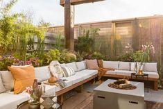 Discover recipes, home ideas, style inspiration and other ideas to try. Pergola Patio, Backyard Patio, Backyard Landscaping, Outdoor Spaces, Outdoor Living, Outdoor Garden Furniture, Outdoor Decor, Garden Yard Ideas, Backyard Retreat