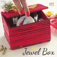 Video * z papírových ruliček - Diy and crafts interests Diy Crafts For Home Decor, Diy Crafts Hacks, Diy Crafts For Gifts, Diy Arts And Crafts, Craft Stick Crafts, Hobbies And Crafts, Crafts For Kids, Creative Crafts, Easter Crafts