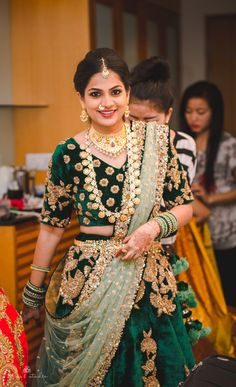 A bride who knows how to rock a 6.7kg lehenga for her Sangeet? That's the stuff this wedding is made of. This telugu bride, Leelu really kept her sartorial style pretty with self-designed blouses and beautiful diamond jewellery and add, a Shriya Som flapper dress equivalent of a lehenga and ooh