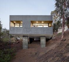 Car Park House. Location: Los Angeles, CA, USA; architects: Anonymous Architects; photo: Steve King; year: 2013
