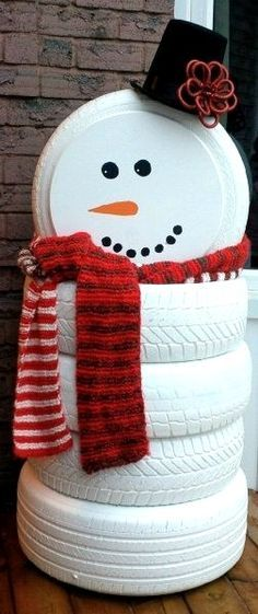 Christmas DIY: 50 Best DIY Snowman 50 Best DIY Snowman Christmas Decoration Ideas #christmasdiy #christmas #diy